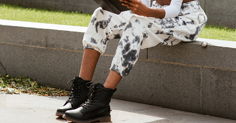 How to Choose the Best Combat Boots for Women Buying Guide 2