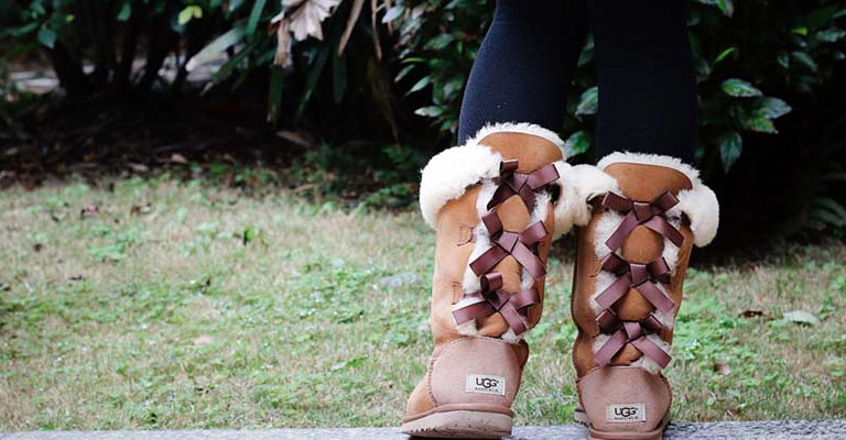 How to Clean UGG Boots Without a Kit FI
