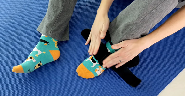 How to Cure A Sprained Ankle FI