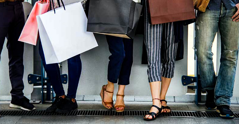 Why Do Many People Love Casual Women Shoes