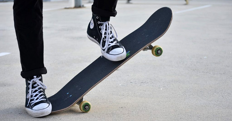What makes a shoe good for skateboarding