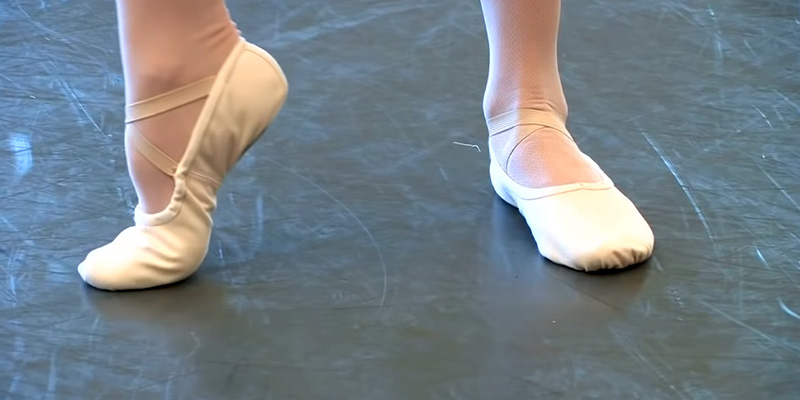 Fitting ballet shoes