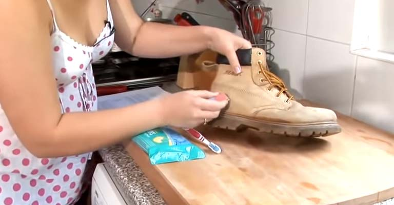 How to Clean Timberland Boots With Household Items