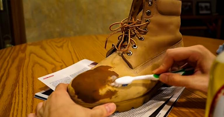 How to Clean Timberland Boots With Vinegar FI