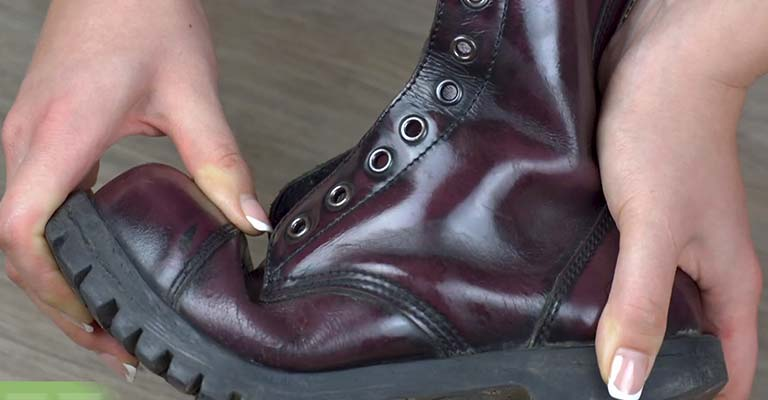 How to Widen Steel Toe Boots FI