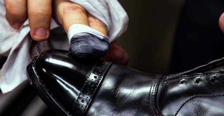 Signs of Resoling Shoes